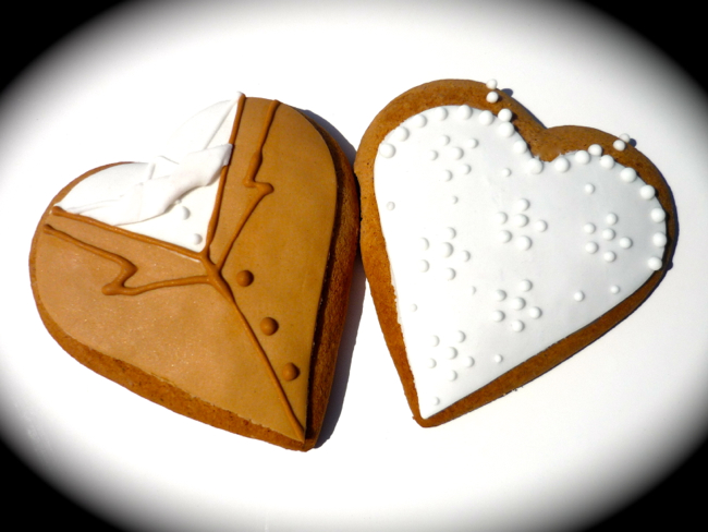 mrmrs heart cookie 7cm.jpg